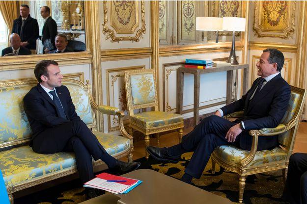 Robert A G et Macron
